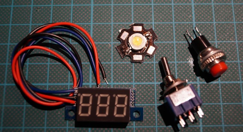 DIY Bluetooth Construction Site Lantern Boombox